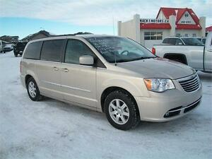 2012 Chrysler T & C Touring Only 34kms Financing and warranty