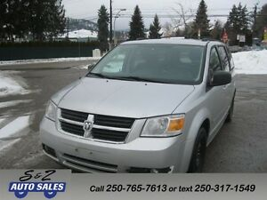 2008 Dodge Grand Caravan SXT 2 SETS TIRES ON RIMS LOW KM!