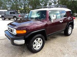 2007 Toyota FJ Cruiser new tires auto v6 and more