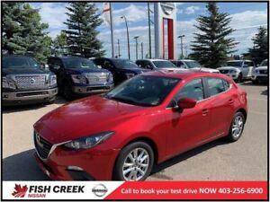 2015 Mazda Mazda3 GS  BACK UP CAMERA! BLUETOOTH!