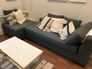 Sectional Couch and Ottoman - Excellent Condition!