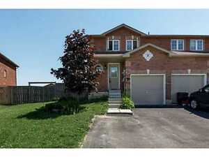 3 BEDROOM TOWNHOUSE TOWNHOME FOR RENT IN SOUTH EAST BARRIE