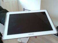 white 10.1 inch samsung galaxy tablet 2 gtps110 16gb with blue case and brand new charger