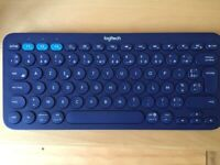 LOGITECH Wireless French Keyboard - Like new