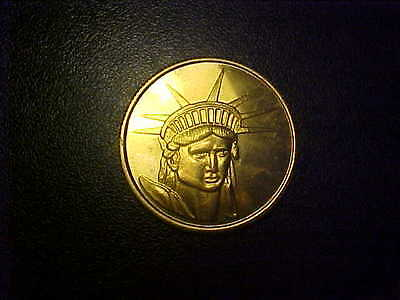 GIVE ME YOUR TIRED,YOUR POOR,YOUR HUDDLED MASSES MEDAL   (Give Me Your Poor Your Huddled Masses)
