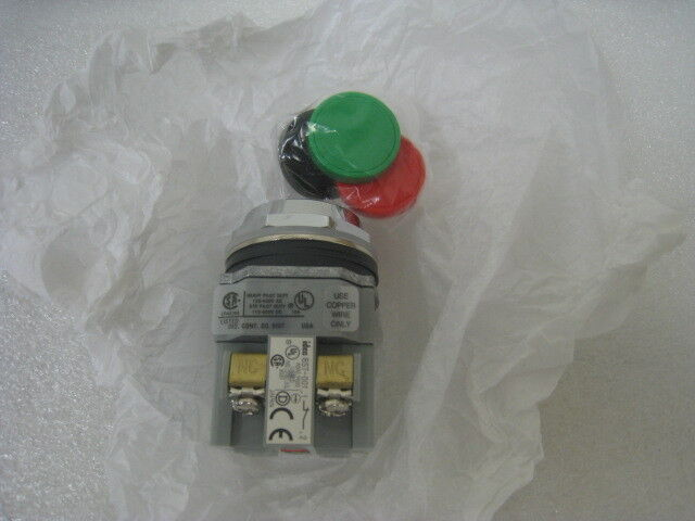 Idec Abd111n Industrial Push Button Switch With Black, Green, And Red Covers
