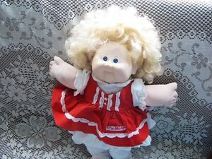 "18"" BLONDE 87 CABBAGE PATCH GIRL DOLL,RED VELVET DRESS"