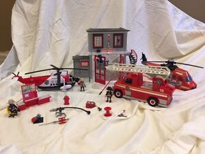 Playmobil fire station and vehicles