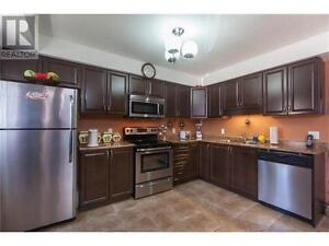 Stunning 4 Bedroom Townhouse w/ LOW Condo Fee's!