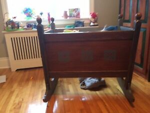 Cradle/Bassinnette great used for toy and stuffed animal storage