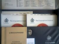 LINGUAPHONE FRENCH COURSE SET OF 16 x 45rpm DOUBLE SIDED RECORDS, INSTRUCTION BOOK IN A STORAGE CASE