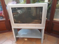 "Panasonic 32"" Quintrex classic retro TV and stand"