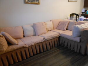 Cameo Sectional Sofa w/ Pull out Queen size Bed