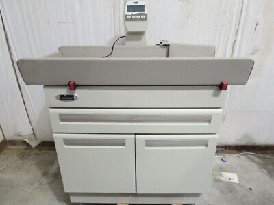 Midmark 640 Pediatric Exam Table