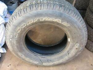 One only Goodyear wrangler 215/70r16 reference AAA14