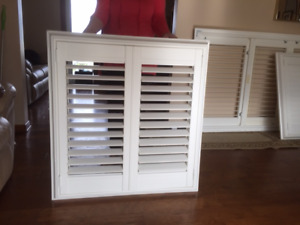 WHITE VINYL CALIFORNIA SHUTTERS IN GREAT CONDITION