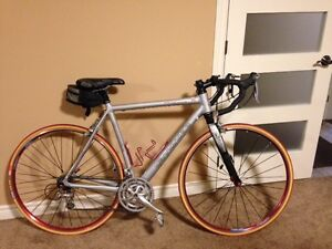 CANNONDALE SILKROAD 900 TOURING BIKE