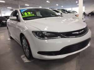 2016 Chrysler 200 LX, UCONNECT