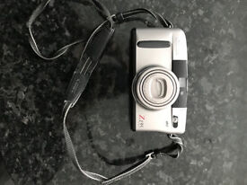 ***Canon Z135 Sure Shot as new condition with case***