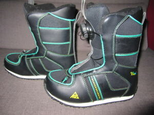 Boy's K2 Mini Turbo Snowboard Boots, size 2
