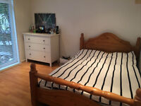Fully Furnished Large Double Room Available in Putney in a Light & Airy Flat!