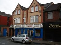 2 bedroom flat in Burton Road, Manchester