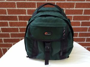 Lowepro Camera Bag - Like New West Island Greater Montréal image 1