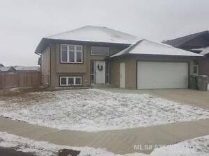 Check out this great starter home in LLoydminster Sask
