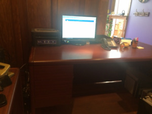 Solid Wood Office Desk with 2 locking Drawers