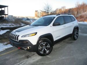 2016 Jeep Cherokee Trailhawk 4X4 (2.4L 4-CYL, R/CAM, ALLOYS, FOG