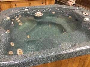 Refurbished 6X7 hot tub for sale