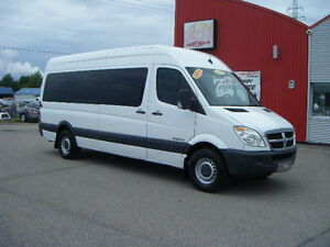 2008 Dodge Sprinter 2500 17 passagers Fourgonnette, fourgon