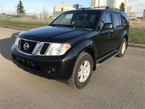 2008 Nissan Pathfinder SE 4x4 *1-Owner/3rd Row Seating/Rev Cam*