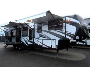 2015 44 FT HEARTLAND ROAD WARRIOR 420 RW TOY HAULER 5TH WHEEL