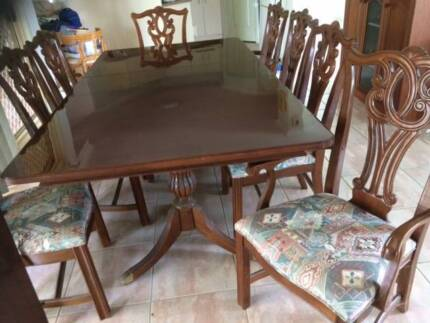 Antique Reproduction 9 piece dining setting
