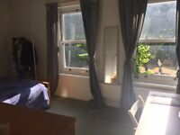 Light and spacious double room to rent in Hackney