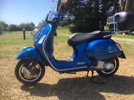 Vespa 300 GTS Super scooter, classic styling, very low mileage, excellent condition, lots of extras
