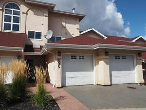 Just Reduced Price! 2bdrm Gorgeous Views! Great Guerin Complex