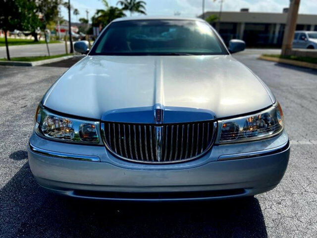 Lincoln Town Car 2002 For Sale Exterior Color Silver