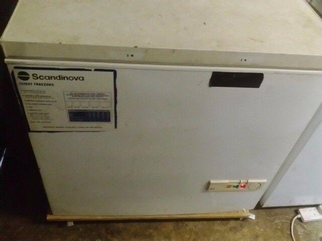 Scandinova Chest Freezer SCF 85, 240 Litre