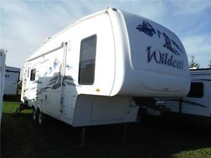 2006 Wildcat 29RLBS 5th wheel Trailer - 2 power slideouts