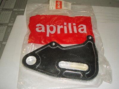 piastra ancoraggio pinza freno post Aprilia RS 50 <'99  Tuono 50 codice 8234137