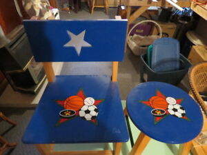 SPORTS Soccer Childrens Table & Chair Set