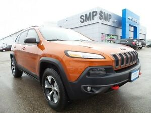 2016 Jeep Cherokee Trailhawk 4WD, leather, sunroof, rem. start,