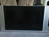 """37"""" Flat Screen TV + Strong TV Bracket - Excellent Picture and Sound"""