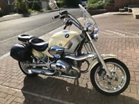BMW MODERN CLASSIC COLLECTABLE JAMES BOND MOTORBIKE - ONLY PRODUCED FOR 3 YEARS