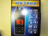 Radio VHF Standard Horizon HX280S comme neuf 80$