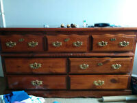 Bedroom set. 2x dresser and 2x night table