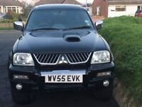 Mitsubishi L200 Warrior 2005 4WD Double Cab, with canopy and leather seats