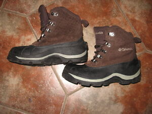 COLUMBIA WOMENS WINTER BOOTS